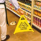 Faltbares Warndreieck, mit mehrsprachigem Caution-Symbol Produktbild
