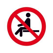 Verbotsschild - Sitzen verboten
